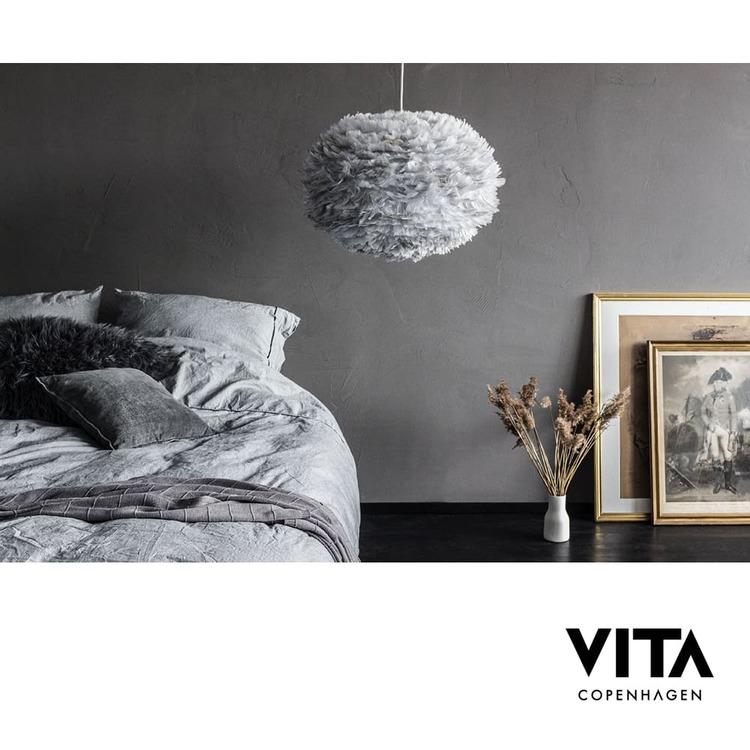 Köp Eos lampa large Vit på Designinterior.se